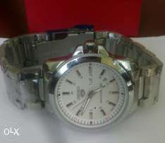 Seiko gents watches in gold and silver bracelet at 3500ksh.