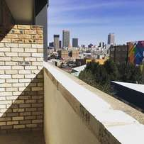 Sophisticated 2 Bed Apartment in the Trendy Maboneng Precinct