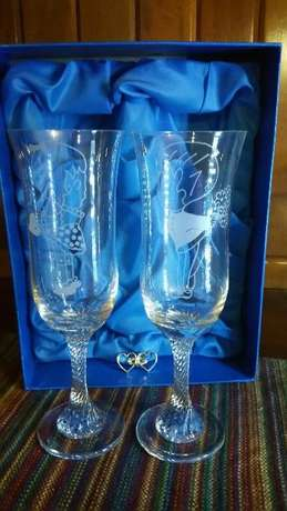 Set of His & Her's Champagne Crystal Glasses Randpark Ridge - image 3