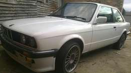 E30 Front windscreen with rubber and beading R750