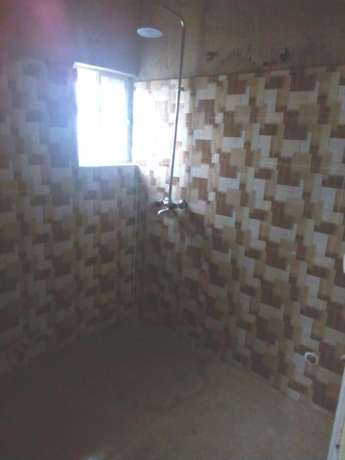 Lovely renovated 2 bedroom flat all tiles floor wardrobe at Baruwa Alimosho - image 4