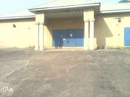 Warehouse To Let along the town of Enugu.