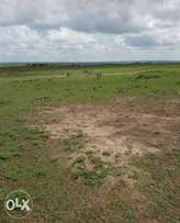 Land 30 acres situated in kitengela reserve next to Governors home
