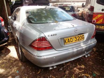 Very clean Mercedes S Class for sale Highridge - image 6