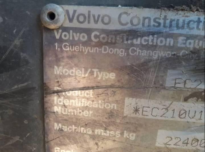 Volvo 210EC - 2004
