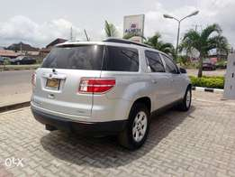 4wd , 3 seaters with leather interior GM outlook toks