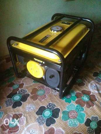 A well-functional,neatly used ELEPAQ EC2500CX generator for sale  - image 1