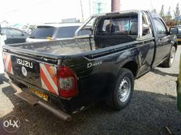 2010 Isuzu d-max local pick up single cab not double cabin
