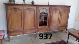 50 years original chippendale living room cabinet top condition 937
