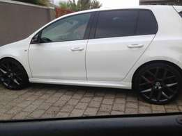 "19"" Golf 6 GTI EDITION 35 MAGS ORIGINAL with tyres."