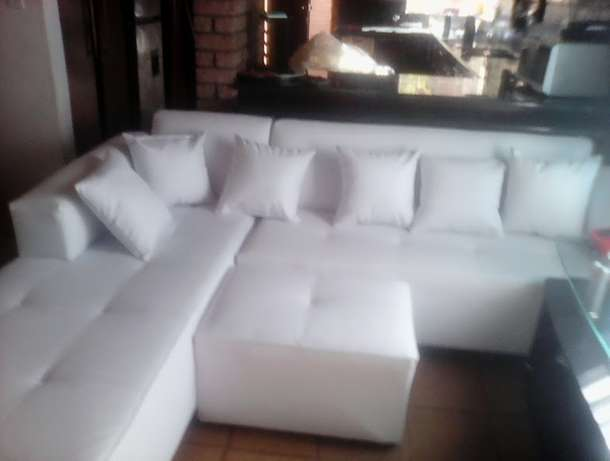 Large L Shape Corner couches includes delivery. Top quality couches. Midrand - image 2