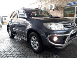2010 Toyota Fortuner 3.0 D4-D Auto 2x4 For Sale!!