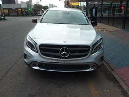 BARGAIN: 2014 Mercedes Benz GLA200cdi for 260000cash