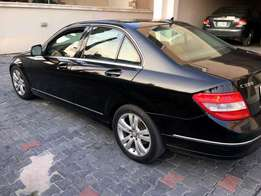 Mercedes Benz Class c300 clean for sale