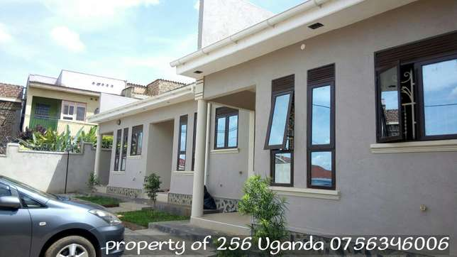 Fascinating double in makerere at 500k Kampala - image 1