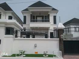 Lovely built 5bedroom duplex with bq