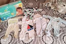 5 outfits and 1 pack pampers 4+