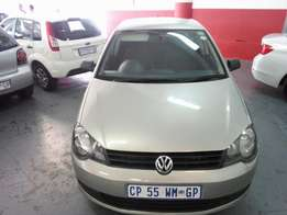 2013 Polo Vivo 1.4 Trending, Color Gold, Price R105,000.