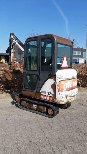 Bobcat 322 - 2001