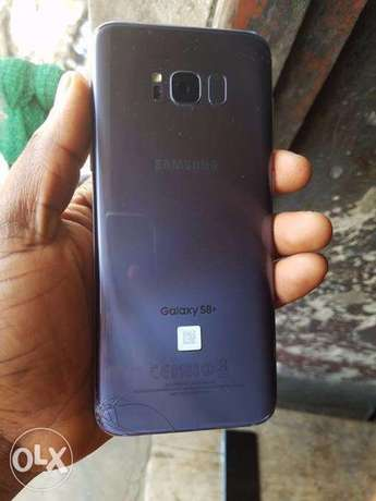 S8 Plus, Unlocked with cracks Onitsha South - image 2