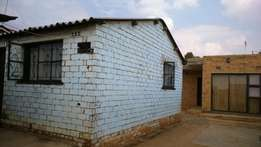 House to let in Soweto for R 3000 each