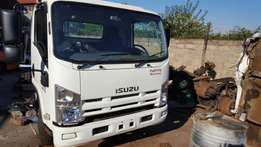 Isuzu npr 400 stripping for spare