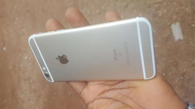 Mint 16gb gold UK used iPhone 6s for sale for low price Ibadan Central - image 3