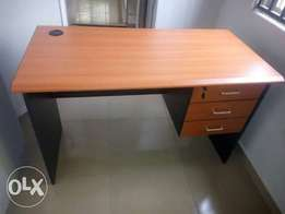 WH Quality Office Table