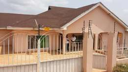 3bedroom House At Oyibi. Gated.For Sale