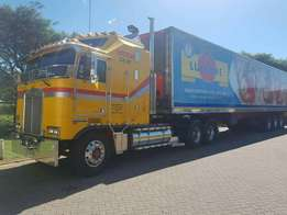 Half empty tri axle flatbed going to harare from Johannesburg
