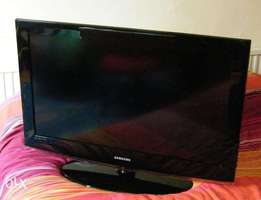 Samsung Flat screen TV 32 inch