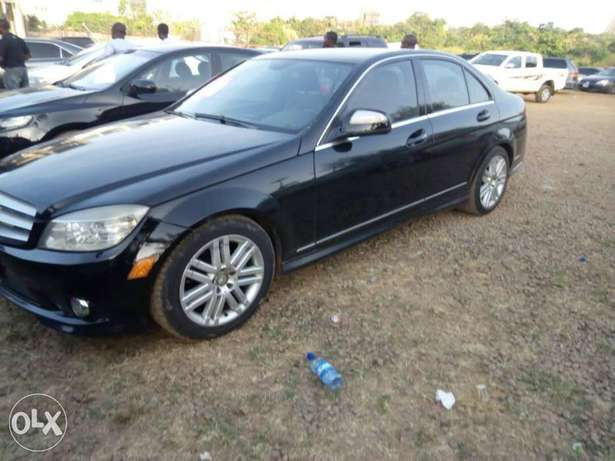 2008 Mercedes-Benz c300 4matic Central Business District - image 6