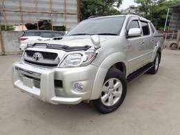Toyota hilux double cab Manual Diesel. KCM number 2010 model loade