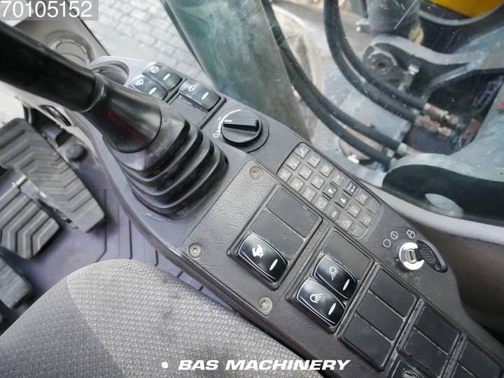 Volvo EC240CL - 2012 - image 16