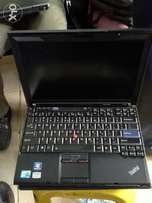 Lenovo T400.core 2 duo. 120hdd. 2gbram.