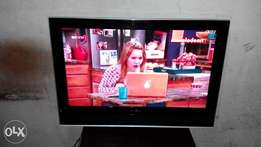 32 inches LG LCD TV