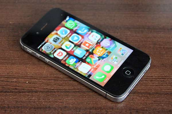 Iphone 4s 16GB Factory unlocked. Great condition! South B - image 2
