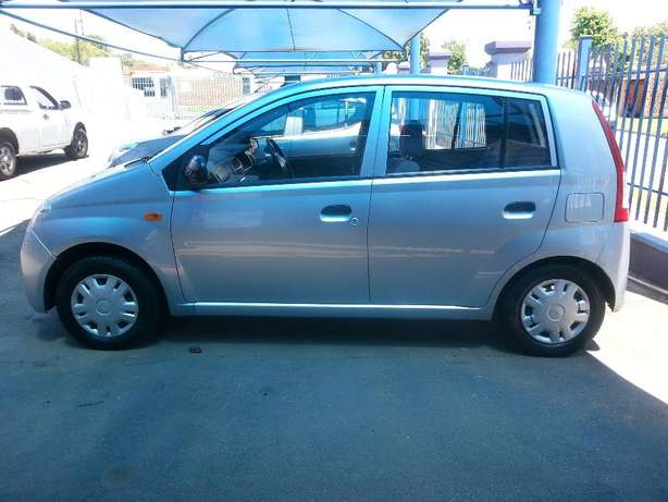 2006 Daihatsu Charade 1.0 CX Automatic for only R 45,990.00 Rosettenville - image 5