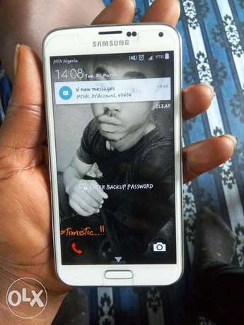 Very neat clean Samsung galaxy s5 for sale Port Harcourt - image 1