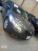 Clean 2009 Toyota Camry xle Registered