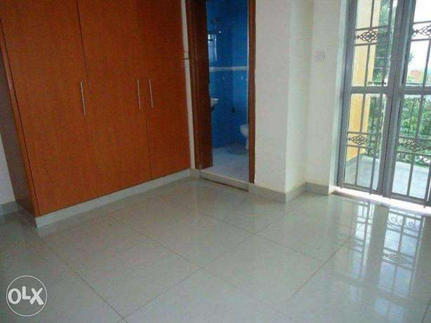 A nice 3bedrooms & 2bathrooms house for rent in kyanja at 800k Kampala - image 2