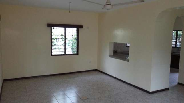 Beautiful 3 bedroom house on own compound asking 55,000/=ksh Nyali - image 3