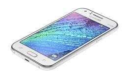bBRAND NEW Samsung J1 ACE - 4GB - 512MB RAM - 5MP Camera - White