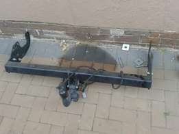 Toyota hilux 2014 original tow bar for sale 3000 in excellent working