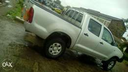 Hi selling Toyota 4*4 local very clean 2010 manual buy&drive