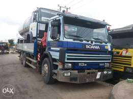 Scania truck 8tyrs with 8tones crane