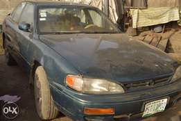 neatly used toyota Camry 96 for 600k