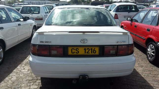 1994 Toyota Camry 220SEi A/T REDUCED PRICE Strand - image 3