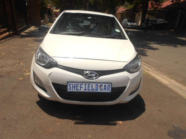 Immaculate condition 2013 Hyundai i20 1.4 Hatchback for sale Johannesburg - image 2