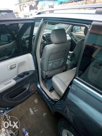 Neatly used Toyota highlander, 2006 model. Lagos Mainland - image 4